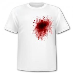 Кровь на футболке