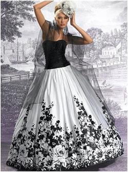 Шьем из свадебного платья дочери