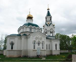 Церковь со стороны