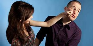 Бить ревновать мужа сонник