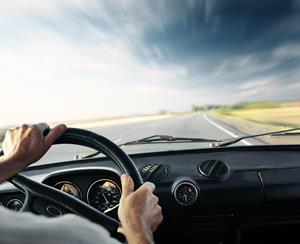 картинки за рулем машины