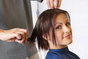 К чему снится парикмахер стрижет волосы мне