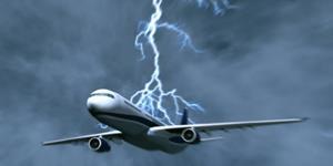 Молния попала в самолет