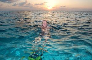 Плыть в море
