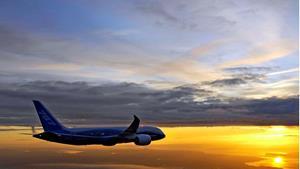 Самолёт на закате