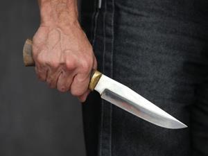 Маньяк с ножом