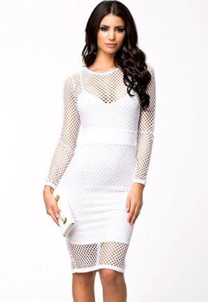 Женственное белое платье