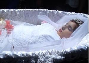 Умершая девочка