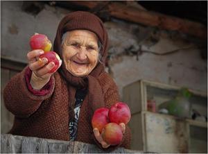 Добрая бабушка