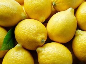Лимоны в магазине
