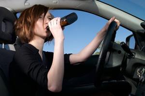 Пьяная женщина за рулём