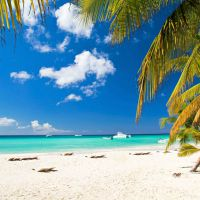 Песок на берегу