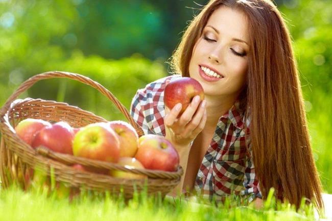 сонник собирать яблоки с земли спелые