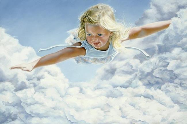 Девочка летит в облаках