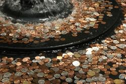 Монетки в фонтане