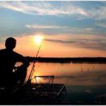 Мужчина ловит рыбу – значение сна