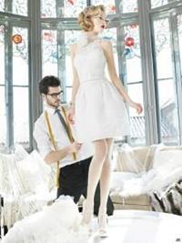 Мерить платье