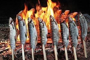Рыба на костре