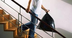 Выносить мусор