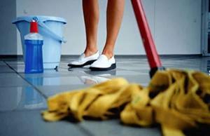 Мыть полы шваброй