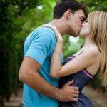 Как растолковать, к чему снится поцелуй с девушкой