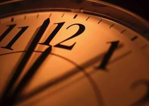 Часы бьют двенадцать