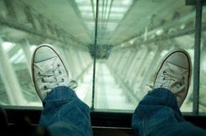 Лифт падает