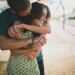 Что значит по соннику, когда мужчина обнимает во сне