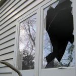 Что означает разбитое окно согласно соннику