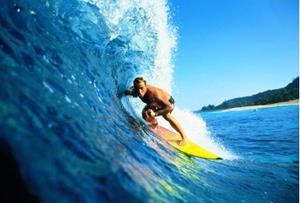 Скользите на доске для сёрфинга