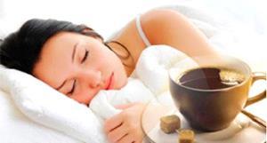 Девушке снится кофе