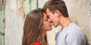 Снится поцелуй