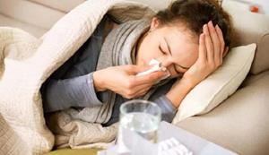 Заболевшая девушка