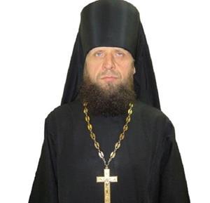 Священник в чёрном