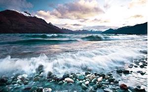 Камни в море