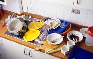 Море грязной посуды