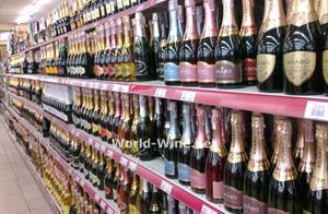 Шампанское в магазине