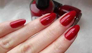 Ногти красного цвета