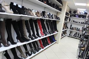 Большой ассортимент обуви