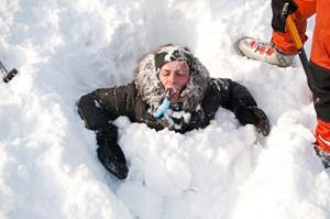Провалиться в снег