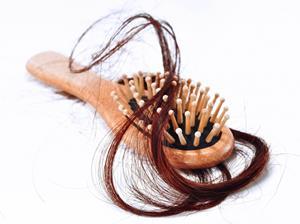 Расчёска с волосами